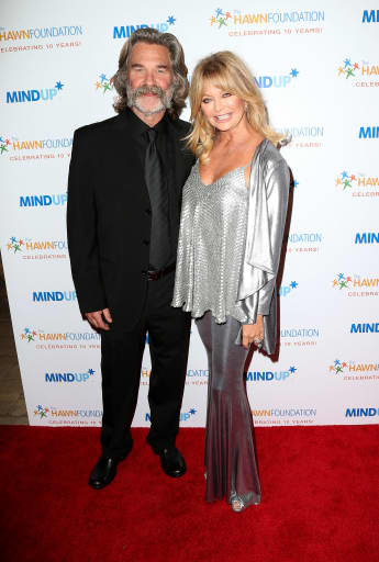 Goldie Hawn Shares Stunning New Family Photo With Kurt Russell - See It Here!