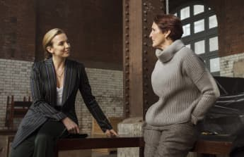 "'Killing Eve': Season 3 Fiona Shaw, ""Carolyn"" Interview: ""You'll Be Astonished"" Sandra Oh Jodie Comer Villanelle"