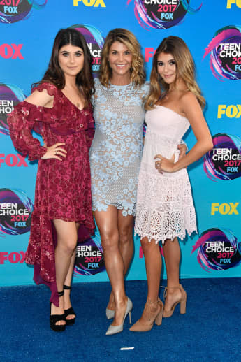'Lori Loughlin's Daughters Olivia & Bella Support Their Parents' Decision To Plead Guilty