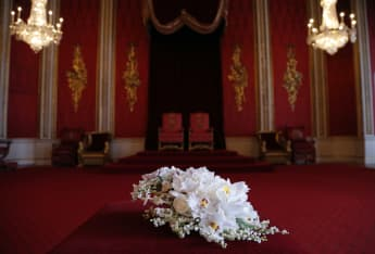 The Ghislaine Maxwell-Kevin Spacey Buckingham Palace Royal Throne Room Photograph Explained Prince Andrew