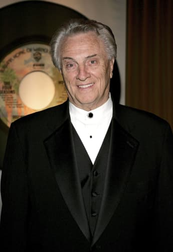 Tommy DeVito, Four Seasons Singer, Dies age 92 COVID Complications Frankie Valli
