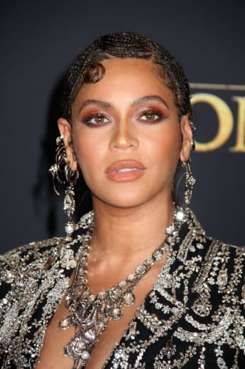 """Beyoncé Demands Justice For Breonna Taylor: """"The Next Months Cannot Look Like The Last Three"""""""