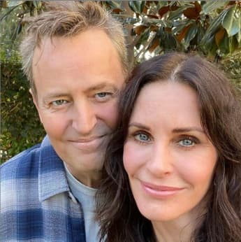 Matthew Perry and Courteney Cox take the cutest selfie while reuniting for lunch!
