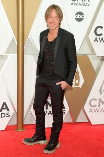 "Keith Urban Releases New Song ""God Whispered Your Name"" & Announces He Is The 2020 ACMs Host!"