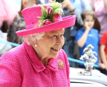 Queen Elizabeth II send an emotional message to healthcare workers on World Health Day.