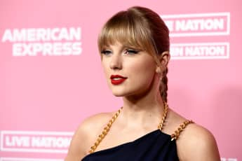 """Taylor Swift Calls Out Scooter Braun Again - His Supporters are definition of """"Toxic Male Privilege"""""""