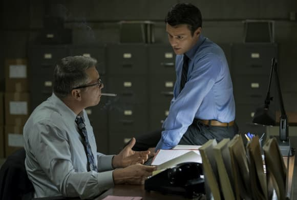 "Holt McCallany and Jonathan Groff in ""Mindhunter"""