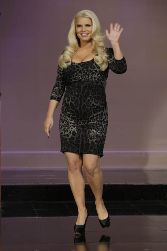 Jessica Simpson had a pretty curvy figure back in the day...