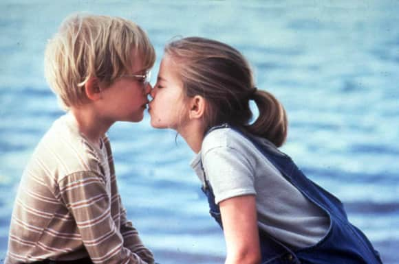 Macaulay Culkin and Anna Chlumsky in 'My Girl' 1991