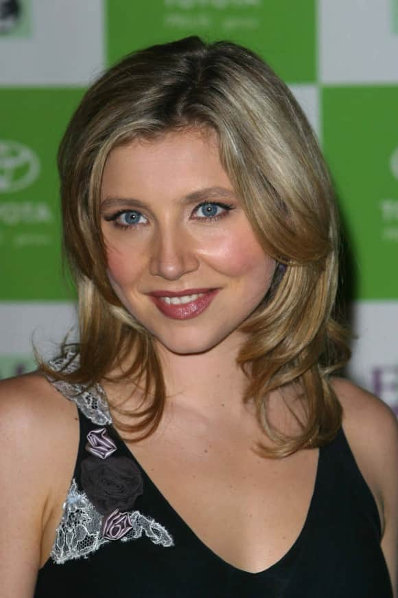 Sarah Chalke at the 12th Environmental Media Awards