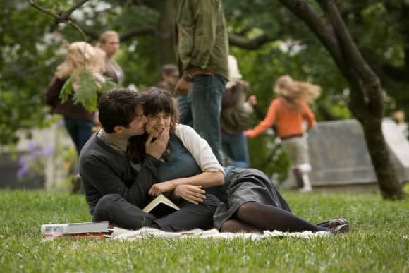 "Zooey Deschanel and Joseph Gordon-Levitt in ""(500) Days Of Summer """