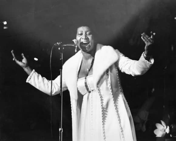 """Aretha Franklin alias the """"Queen of Soul"""" on stage in 1968"""