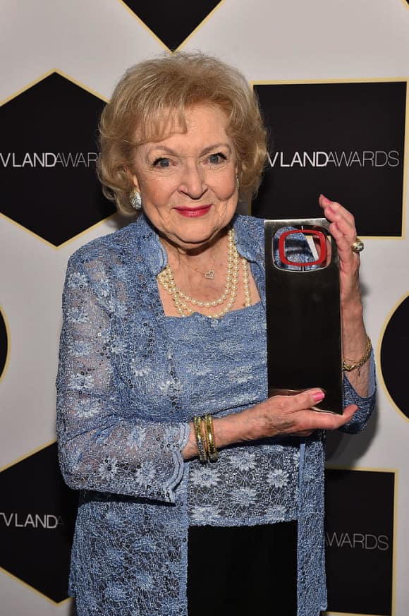 """Betty White """"Rose Nylund"""" The Golden Girls Alive"""