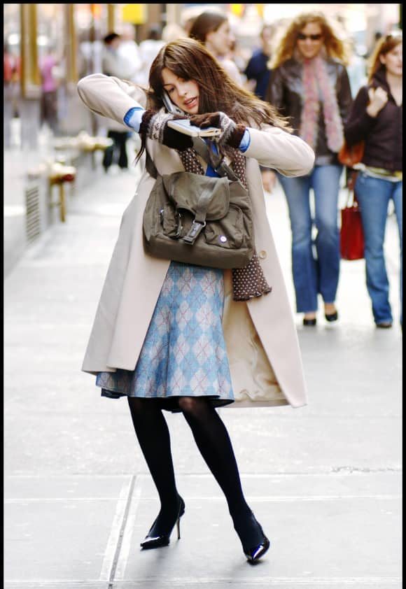 Anne Hathaway plays an assistant in the 2006 film, 'The Devil Wears Prada'.