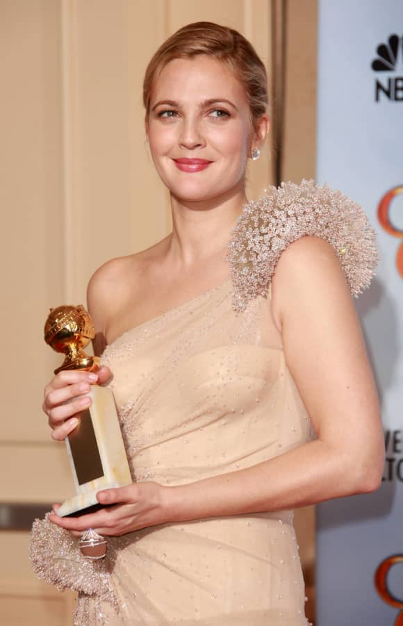 Drew Barrymore with her Golden Globe in 2009.