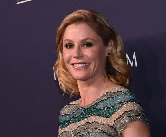 Julie Bowen now stars on the ABC hit Modern Family.