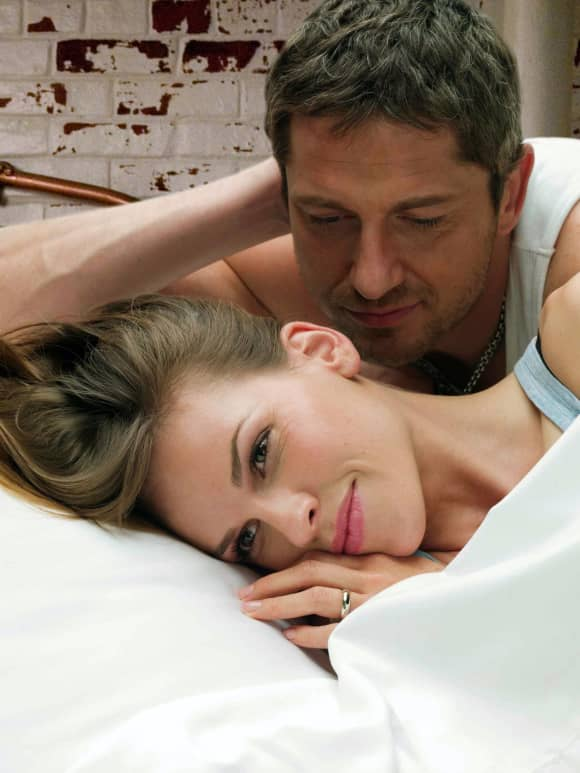 Hilary Swank and Gerard Butler in 'P.S. I Love You'