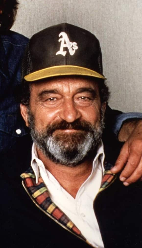 """Victor French played """"Mark Gordon"""", who always helped """"Jonathan Smith"""" out."""