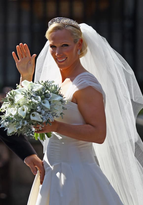 Zara Phillips departs afterher Royal wedding to Mike Tindall at Canongate Kirk on July 30, 2011 in Edinburgh, Scotland.